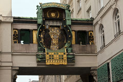 Historisk byggnad i Wien Fotografering för Bildbyråer