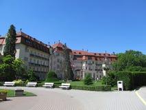 Historisk byggnad på brunnsortön i Piestany SLOVAKIEN Royaltyfri Bild