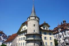 Historisk byggnad på Lucerne Royaltyfria Bilder