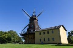 Historisk dansk väderkvarn Arkivfoton