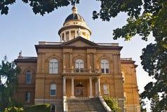 historisk domstolsbyggnad Arkivbild