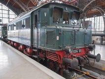 Historisk DR-lokomotiv i Leipzig Hbf Arkivbild