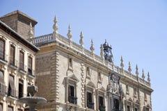 Historisk fasad, Plaza Nueva, Granada Royaltyfri Fotografi