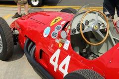 Historisk Ferrari grand prixbil, Silverstone klassiker 2014 Royaltyfri Bild
