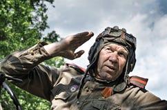 Historisk festival i republiken av Mordovia, Ryssland, Juli 4, 2015 Stående av en soldat för röd armé i hjälm Royaltyfri Bild