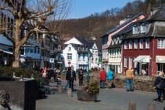 Historisk gata i dåliga Muenstereifel Fotografering för Bildbyråer