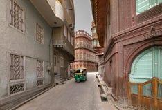 Historisk gatasikt av den Bikaner staden i Rajasthan Indien royaltyfri bild