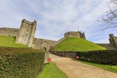 Historisk gränsmärke runt om den Arundel slotten royaltyfri bild