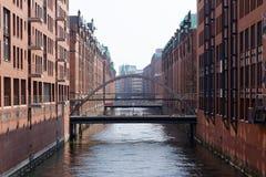 Historisk Hamburg kanal royaltyfri fotografi