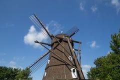Historisk holländsk stilväderkvarn i Melby, Danmark arkivfoto