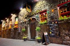 Historisk irländsk bar Arkivfoto