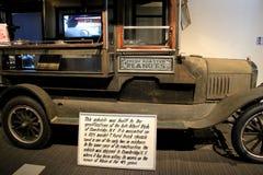 Historisk jordnötvagn, från Cambridge New York, på skärm på det Saratoga bilmuseet, 2015 Royaltyfri Fotografi