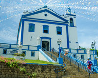 Historisk katolsk kyrka i Ilhabela, Brasilien Royaltyfri Bild