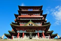 Historisk kinesisk byggnad - Tengwang paviljong Fotografering för Bildbyråer