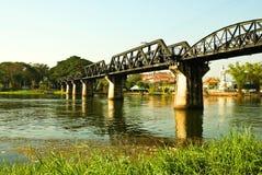 historisk kwai för bro över floden royaltyfria foton