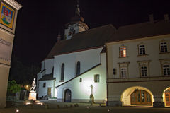 Historisk kyrka i Nove Mesto nad Metuji Arkivfoton
