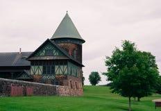 Historisk lantgårdladugård Arkivfoto