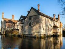 Historisk mangårdsbyggnad på ett engelskt landsgods Royaltyfri Foto
