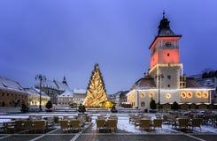 Historisk medeltida stad av Brasov, Transylvania, Rumänien, i vintern December 6th, 2015 Fotografering för Bildbyråer