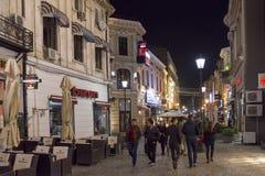 Historisk mitt av Bucharest, Rumänien på natten arkivbilder