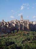 Historisk mitt av Pitigliano, tuffstaden, Tusc royaltyfri fotografi