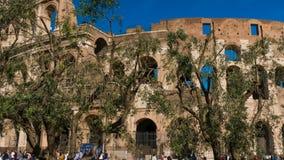 Historisk mitt av Rome, sikt av Colosseum i hyperlapse, Rome, Italien arkivfilmer