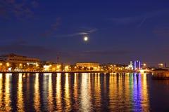 Historisk mitt av St Petersburg natt Arkivbild