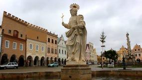 Historisk mitt av TelÄ  med statyn av heliga Margaret royaltyfria foton