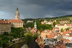 Historisk mitt för Cesky Krumlov slott Arkivbild