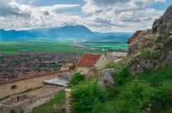 Historisk och medeltida fästning av Rasnov Arkivfoto
