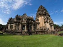 historisk parkphimai Prasat Hin Phimai thailändska Nakhon Ratchasima Royaltyfri Bild