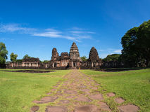 historisk parkphimai Prasat Hin Phimai thailändska Nakhon Ratchasima Arkivbild