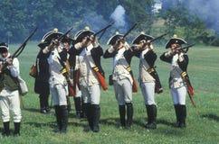 Historisk Reenactment, Daniel Boone Homestead, brigad av den amerikanska revolutionen, kontinentalt arméinfanteri Royaltyfria Bilder