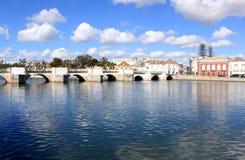 historisk roman tavira algarve för forntida bro Royaltyfria Bilder
