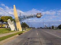 Historisk Route 66 gatasikt i Tulsa Oklahoma Arkivfoto