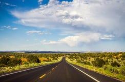 historisk route 66 Väg till nytt - Mexiko från Arizona Bygd i USA Arkivfoton