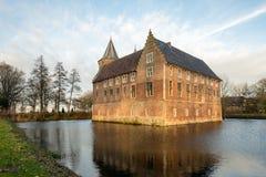 Historisk slott på slutet av en vinterdag Arkivfoto