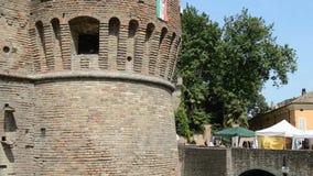 Historisk slott Sanvitale i staden av Fontanellato, Parma, Italien stock video