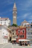 Historisk stad Piran på den slovenska Adriatiska havet kusten Arkivfoto