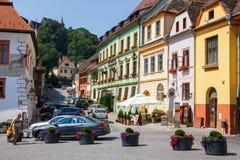 Historisk stad Sighisoara på Juli 08, 2015 Stad som var i födda Vlad Tepes, Dracula Arkivfoton