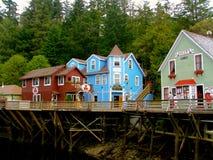 Historisk strandpromenad för Ketchikan Alaska liten vikgata arkivfoto