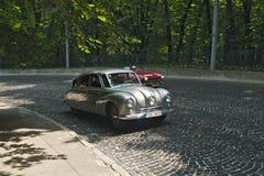 Historisk Tatra bil på retro springa för bil Royaltyfri Fotografi