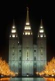 Historisk tempel och fyrkant i Salt Lake City på natten, under 2002 vinterOS:er, UT Arkivbild
