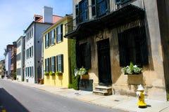 Historisk Tradd gata, charleston, SC Arkivbild