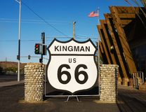 Historisk U S Route 66 Kingman tecken, dragning, Arizona Royaltyfri Bild