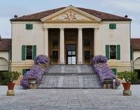 Historisk villa i Italien Arkivfoto