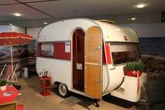 Historisk Wilk sporthusvagn som används som permanent hem Arkivfoton