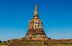 Historiska Autthaya parkerar forntida stupa Arkivbild