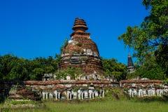 Historiska Autthaya parkerar forntida stupa Fotografering för Bildbyråer