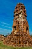 Historiska Autthaya parkerar forntida stupa och templet Arkivbilder